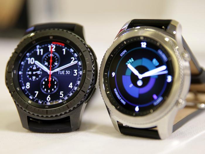 Samsung-Gear-S3-UK-Stock-Christmas-1
